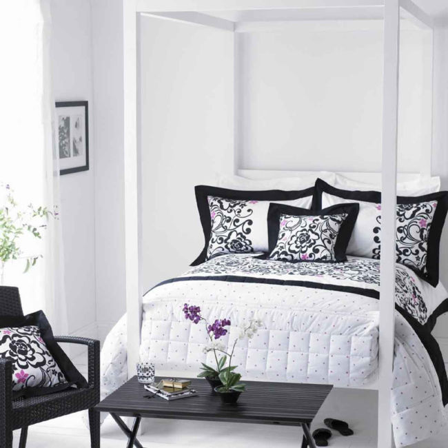 959_bedroom_in_black_and_white (13)
