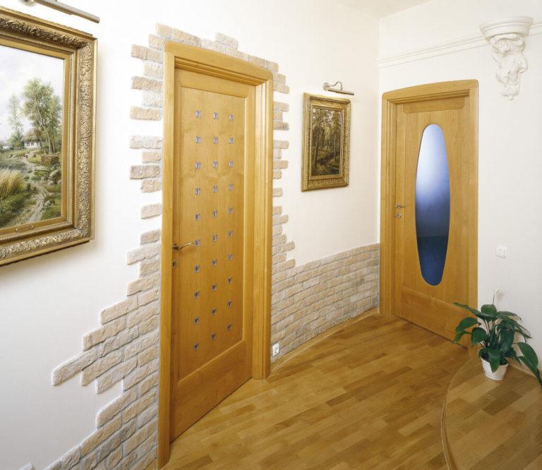 Фото декоративные кирпичики в интерьере прихожей