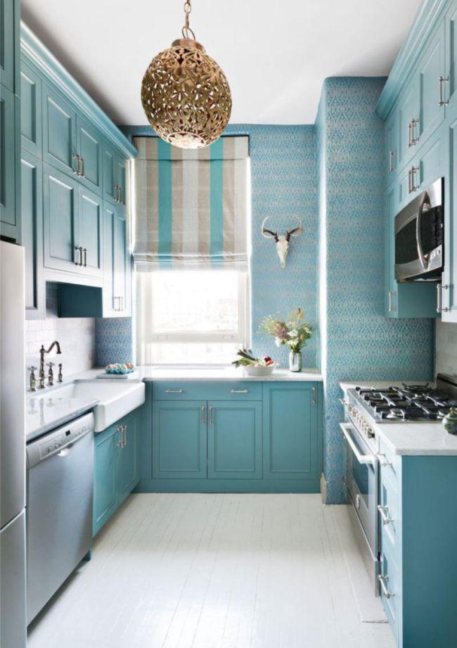 Монохромная-голубая-гамма-в-интерьере-кухни