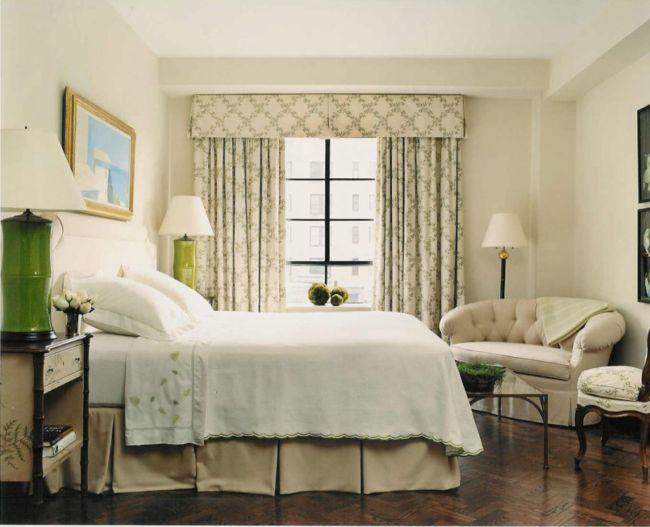 шторы в спальню с бандо