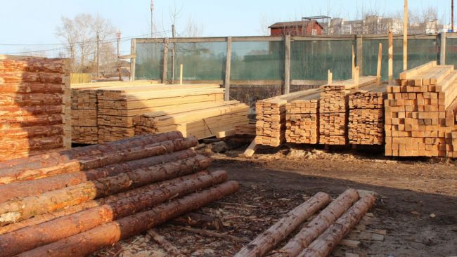 warehouse-of-carving-wood-derevyashka